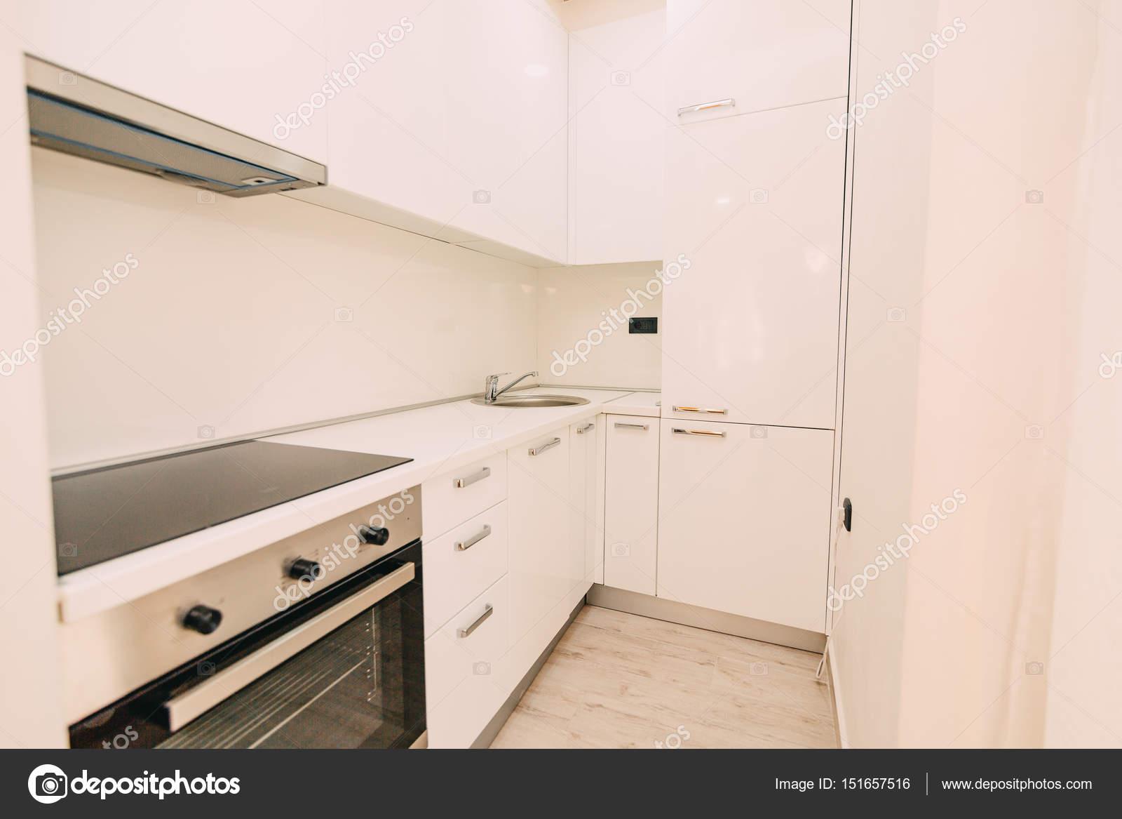 Die Küche in der Wohnung. Das Design der Küche Platz. Wo — Stockfoto ...