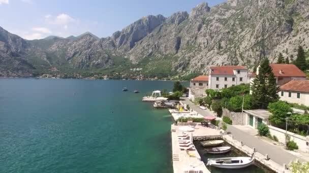 Nachází se v obci Ljuta. Černá Hora, Durmitor, Adr