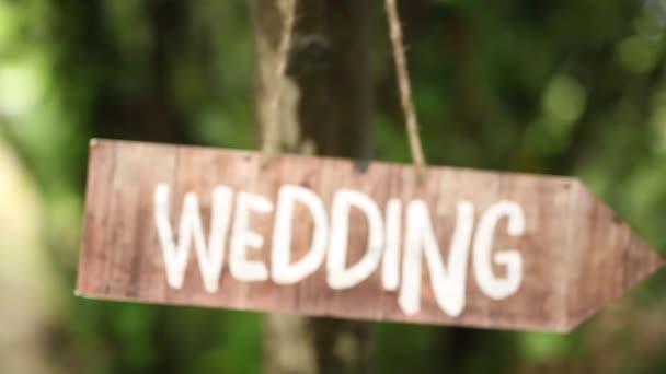 Tabletu svatba na olivovník. Svatební dekorace.