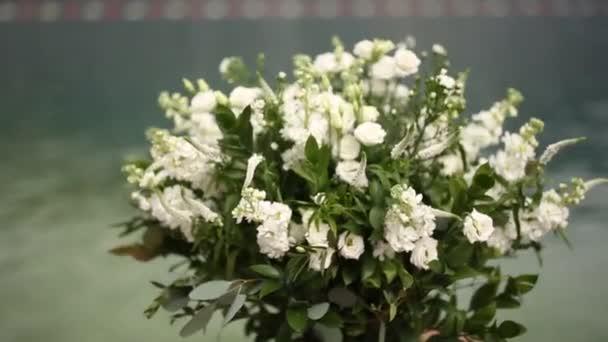 Weisse Blumen Kompositionen Bei Der Hochzeit In Montenegro Hochzeit