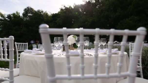 Az esküvői bankett asztal. Esküvői dekoráció. Esküvő-t