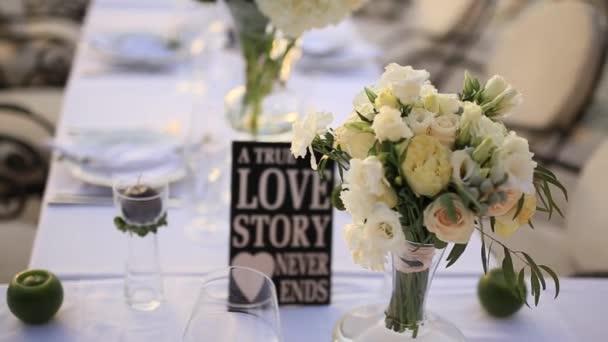 Gesteck Auf Den Tisch Hochzeitsdekorationen Hochzeit Im