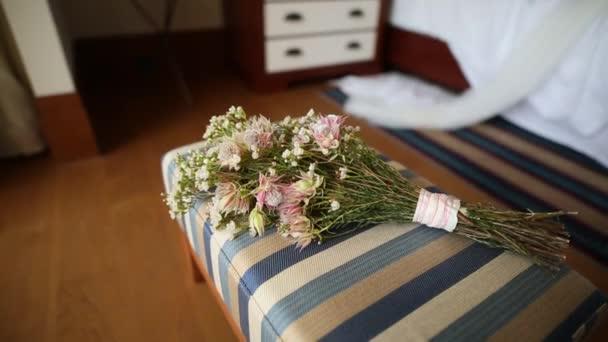 Hochzeit Brautstrauss Schleierkraut Auf Dem Bett Hochzeit In Mont