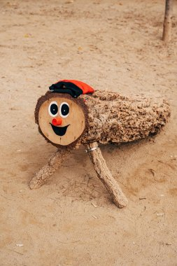 Tio de Nadal is an Aragonese and Catalan Christmas tradition, especially in Catalonia, Aragon, Oxitania, and neighbouring Andorra. The log with the face, legs and hat stands on the ground