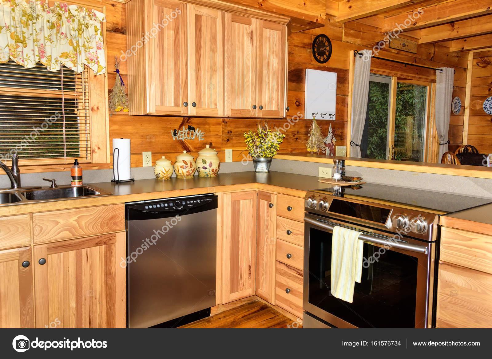 Küche in Kabine — Stockfoto © TallyPic #161576734