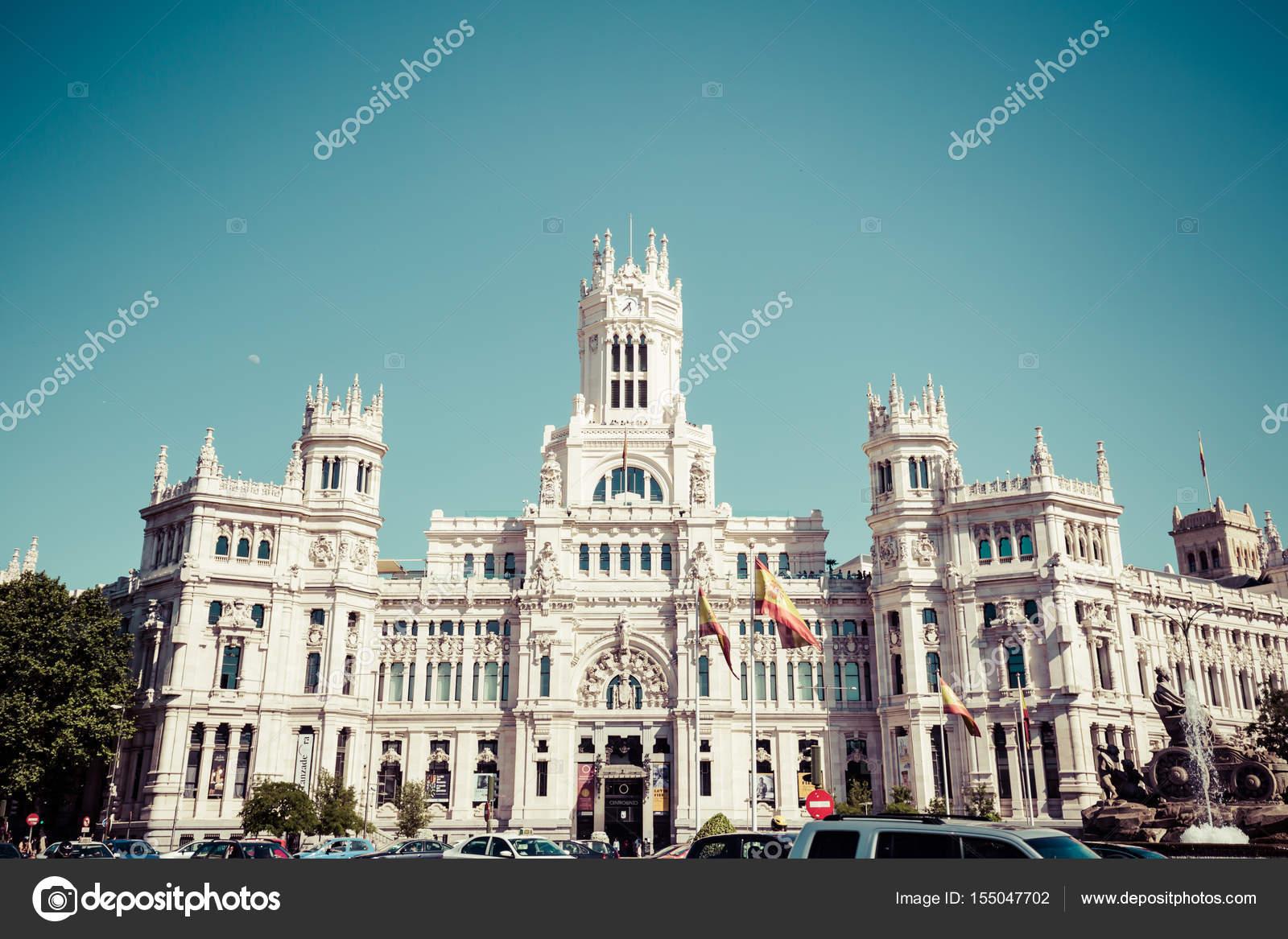 Madrid Espanha Maio 27 2015 Palácio De Cibeles E Bebedouro