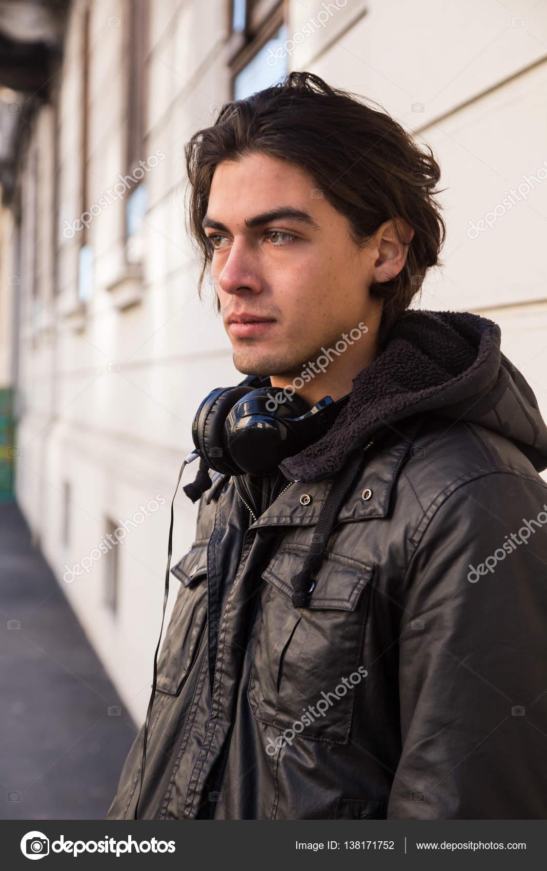Güzel Model Milan Erkekler Moda Haftası Poz Stok Editoryel