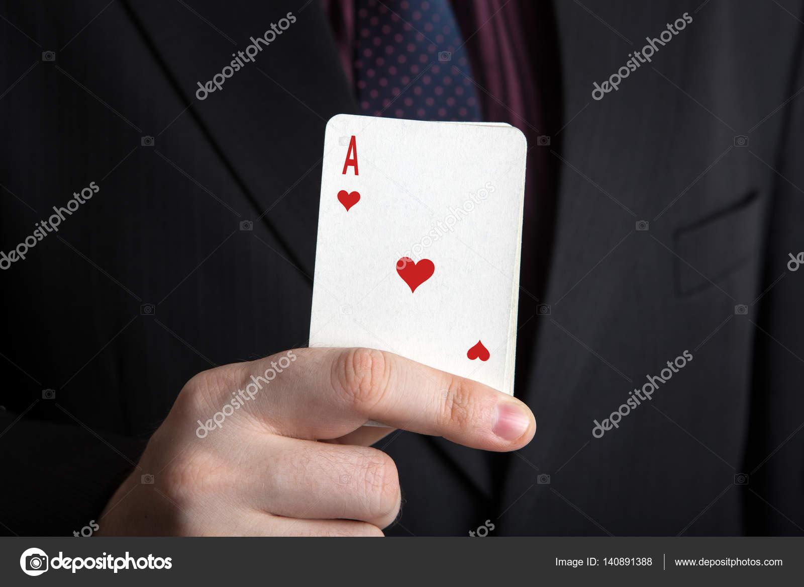 Bir adam için kartlarda basit tahmin