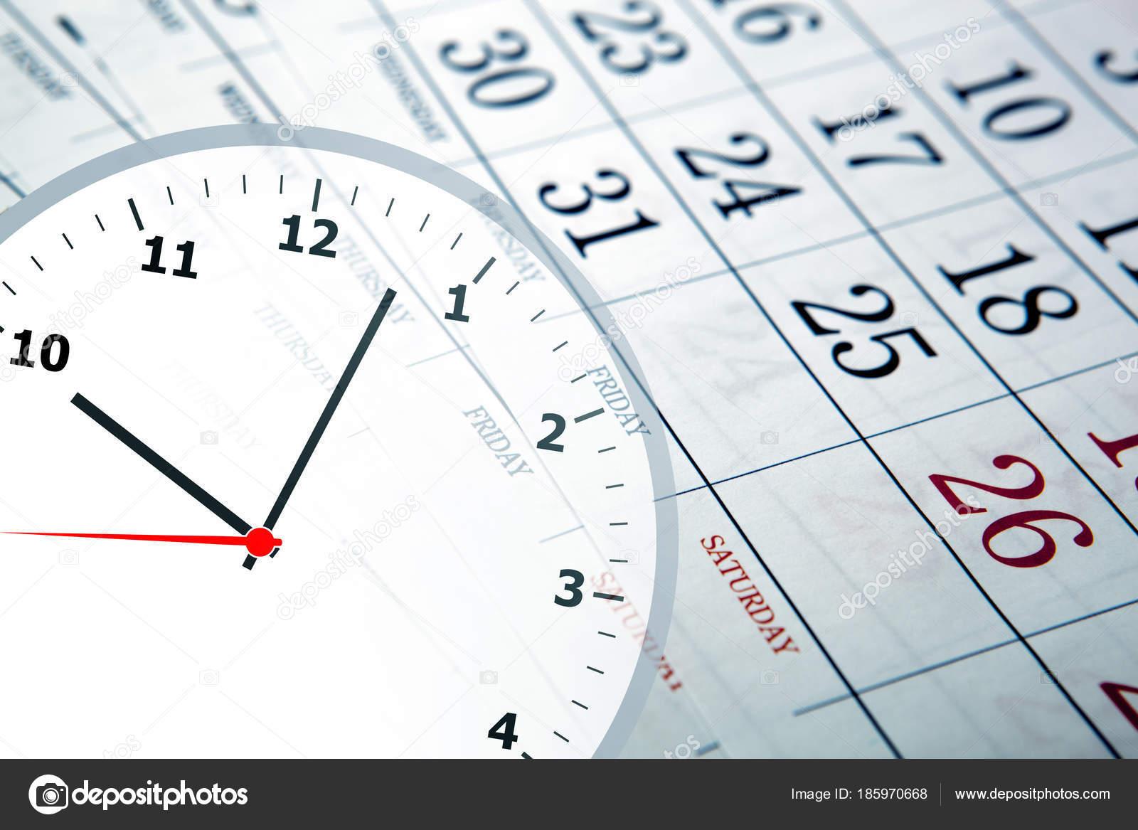 Calendario Con Numero Giorni.Calendario Da Parete Con Il Numero Di Giorni E Orologio