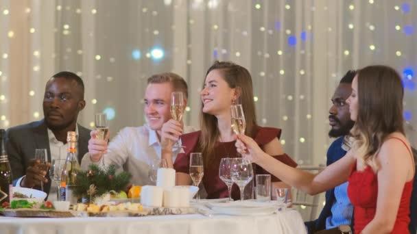 Oslavte nový rok na firemní párty
