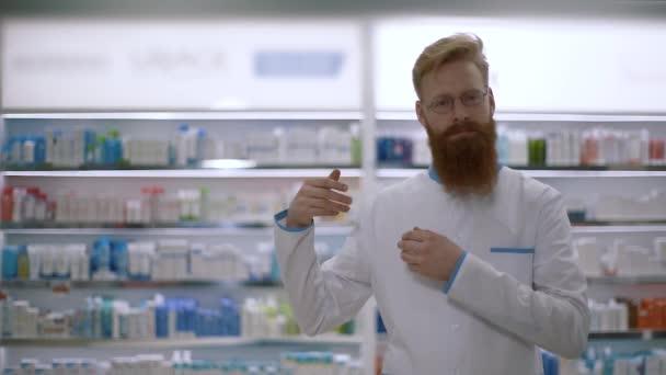 Arzt macht Geste mit den Händen. rechte Seite