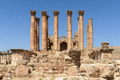 Fotografie The ancient temple of Artemis in Jerash