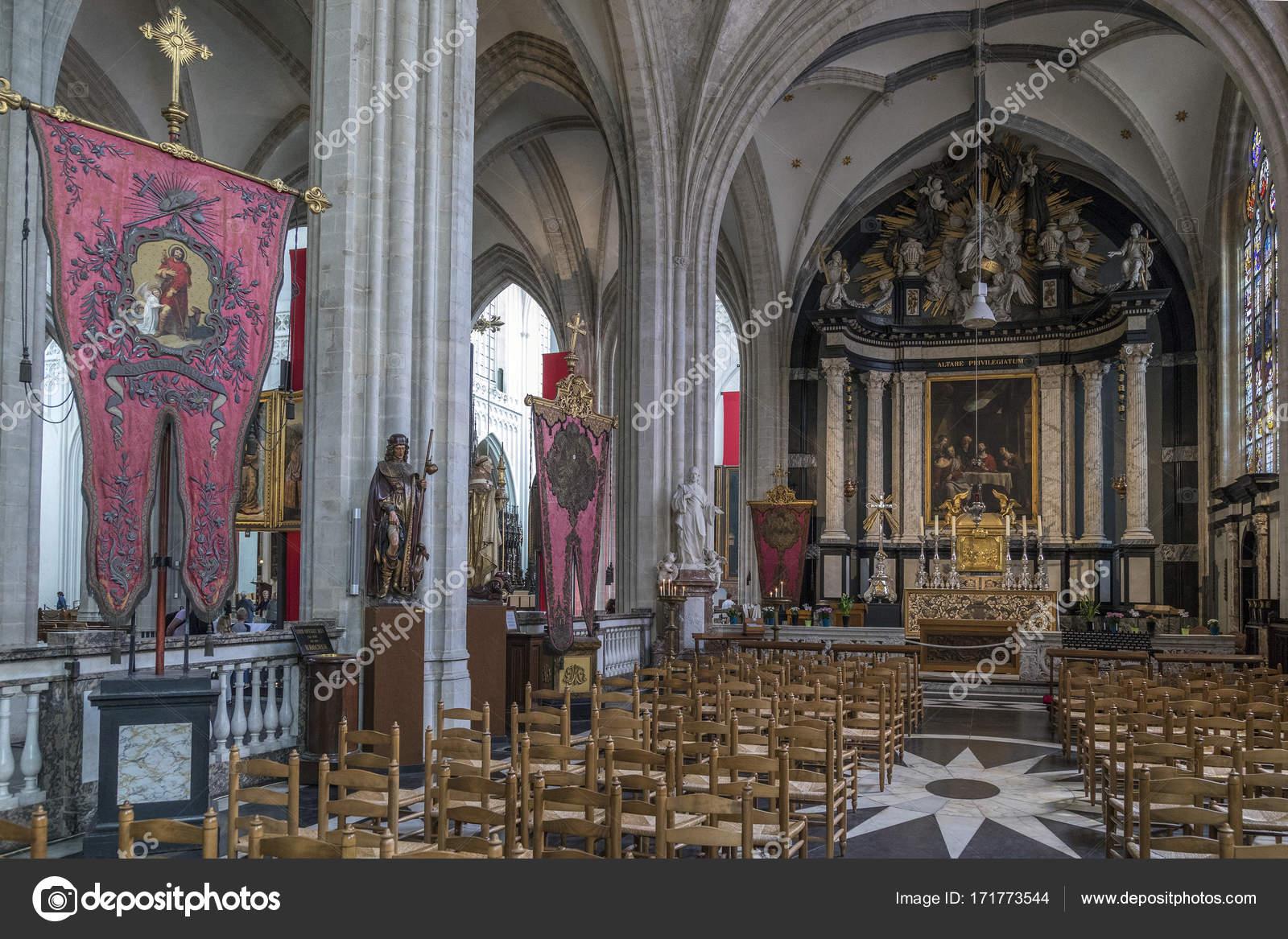 Interieur in der Kathedrale von Notre Dame - Antwerpen - Belgien ...