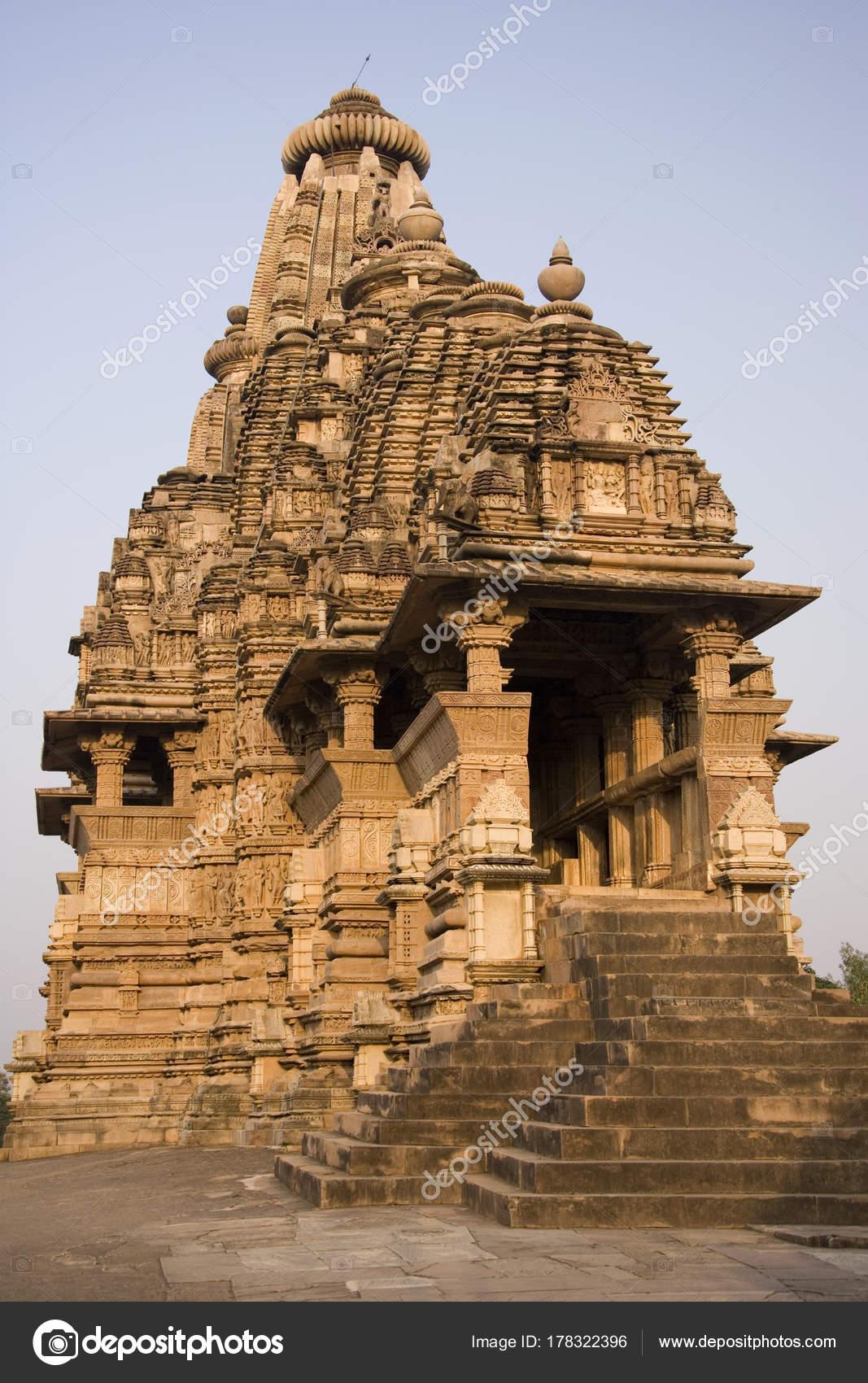 Храм Кандарья -- Махадева. Индия - YouTube | 1700x1067