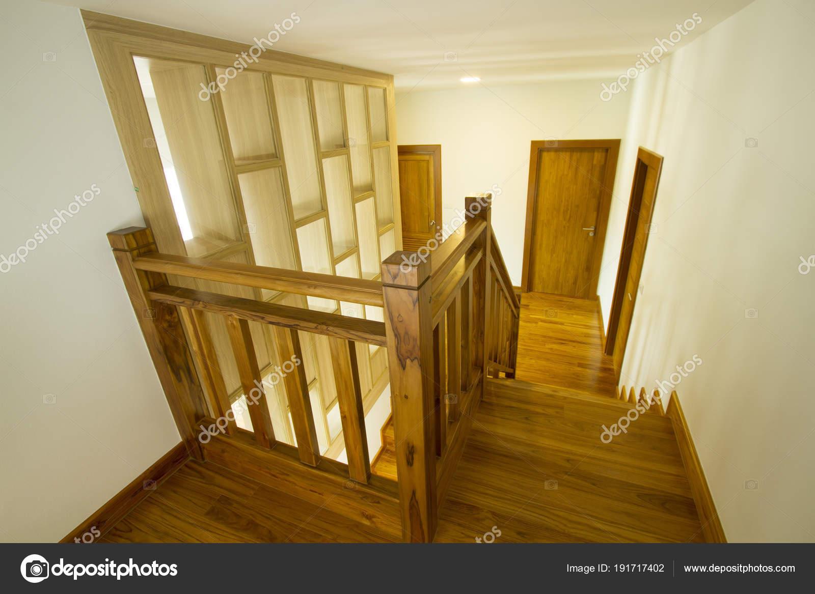 Interieur Maison Avec Escalier Bois Moderne Photographie Drpnncpp