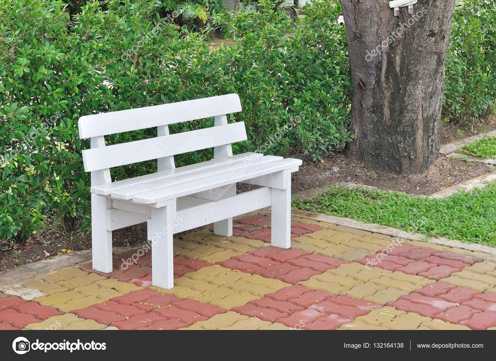 Surprising Brick And Wood Bench Plans Wood Bench On Worm Brick Pabps2019 Chair Design Images Pabps2019Com