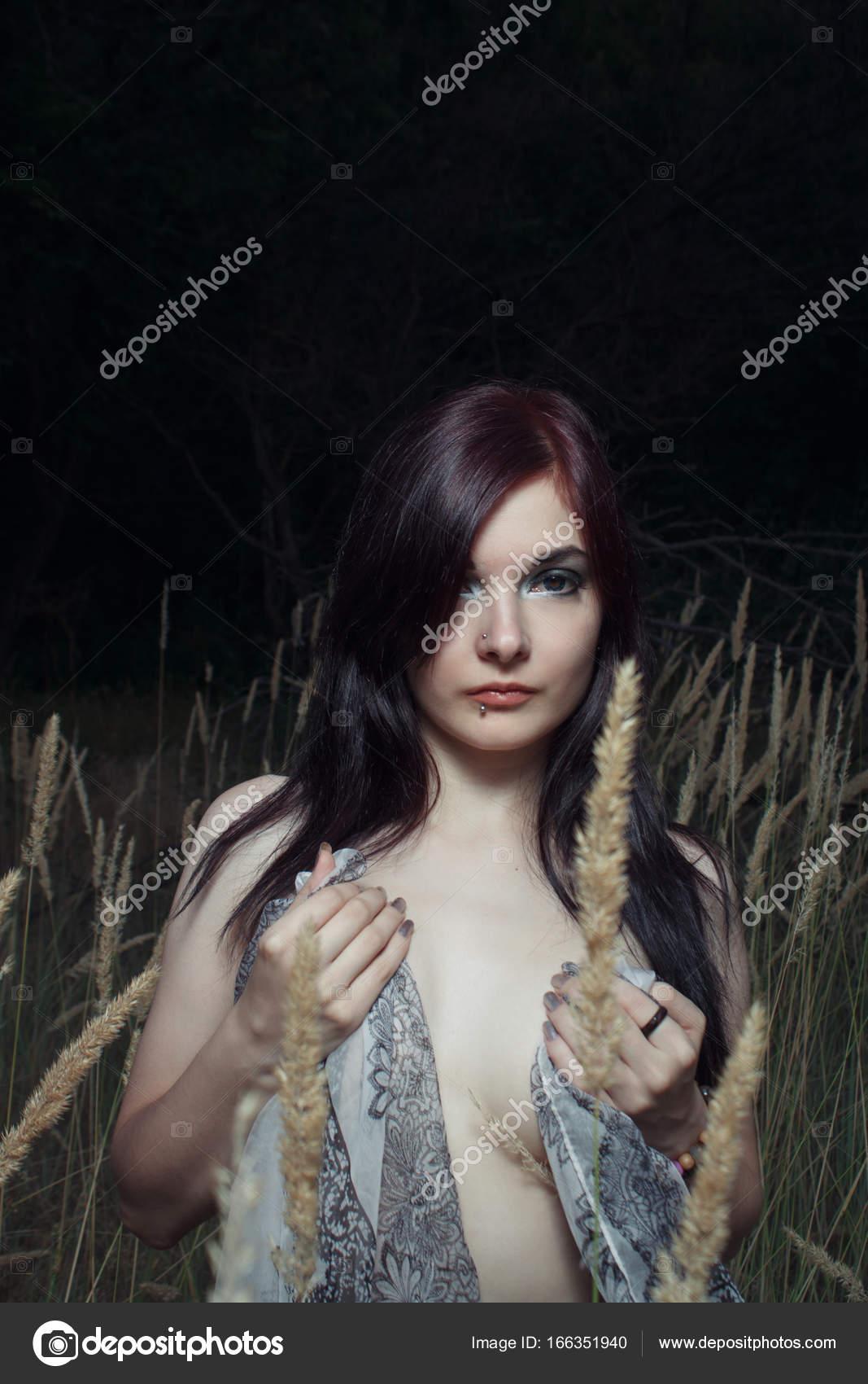 Κατάμαυρος/η έφηβοι γυμνές εικόνες