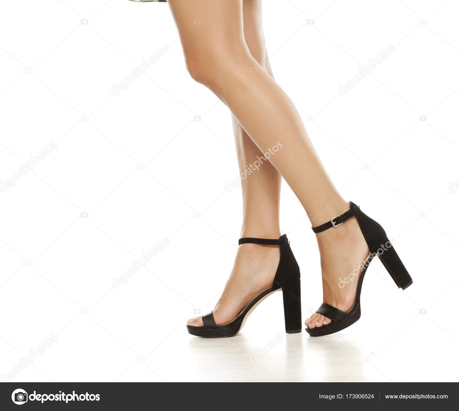 Sandali Bianco Tacco Gambe Foto Alto Belle Sfondo Stock — v0wPyNnO8m