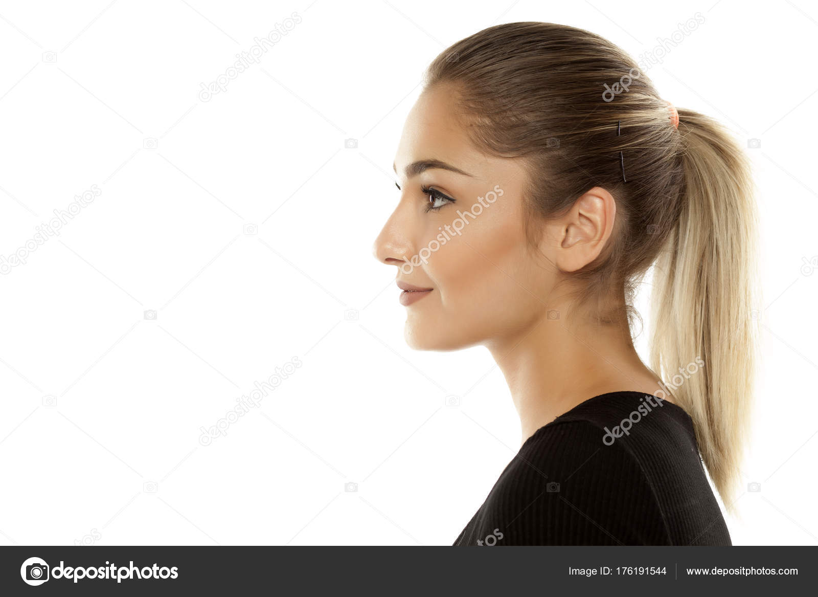 Pony tail teen posing | Sex images)