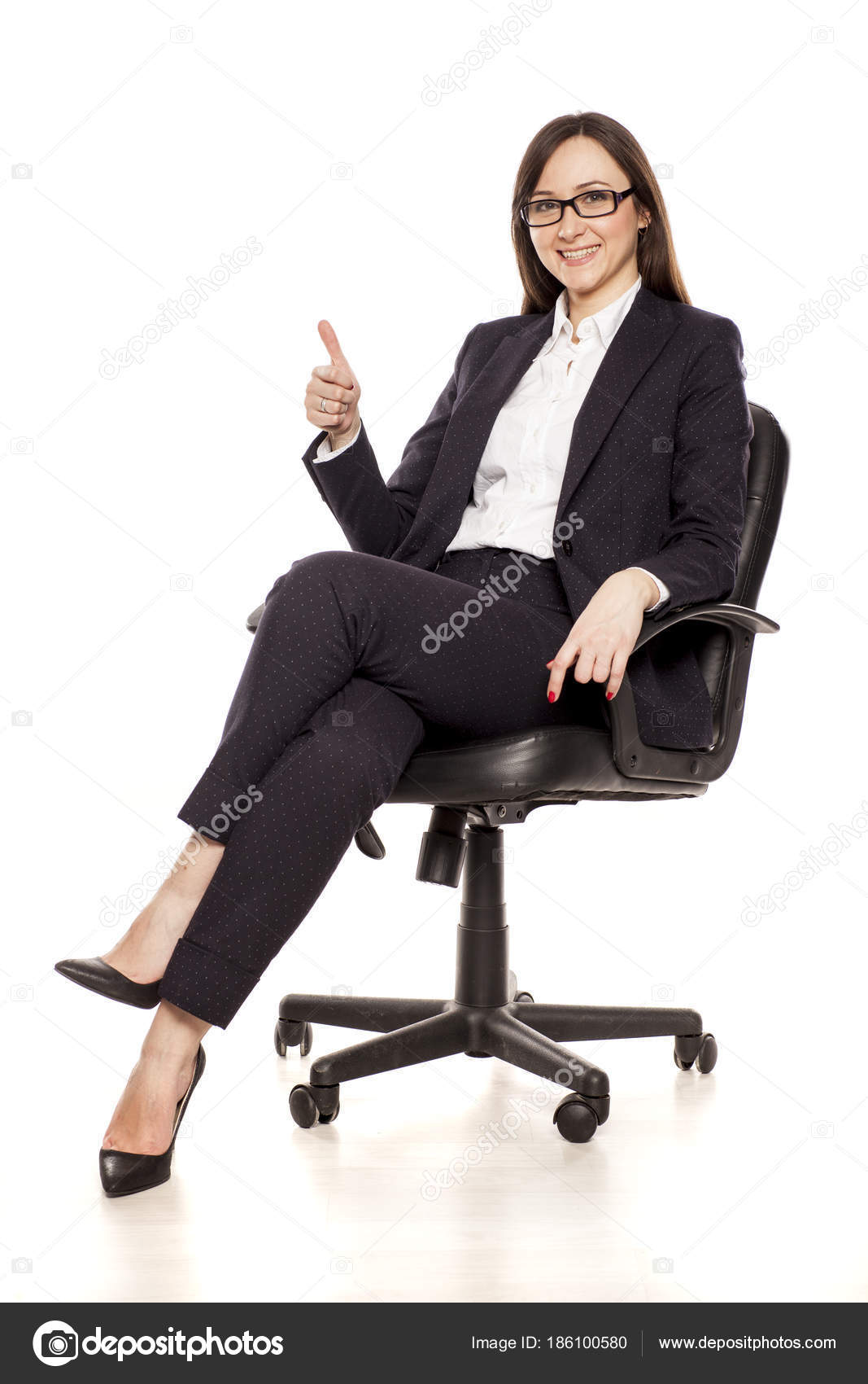 Heureux Chaise Bureau Affaires Une Pouce Vers Femme Dans Montrant ukXZPi
