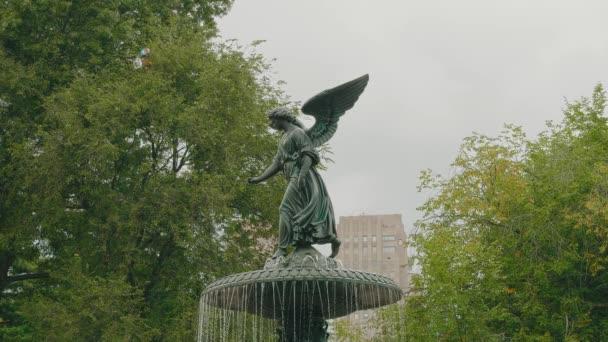 Fontána Bethesda v Central Parku, New York