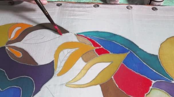 mester-osztály batik színezés - festő festékek virágos minta fehér selyem vászon fából készült keret hideg kontúr batik technika