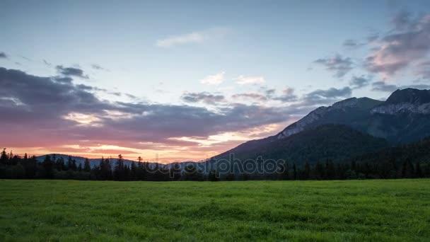 Čas zanikla Sunrise krajina v horách, Tatranská Javorina, Slovensko