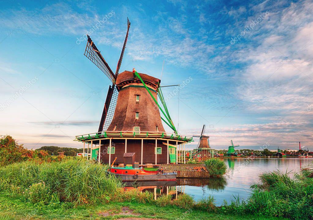 オランダ風車の風景 — ストック画像