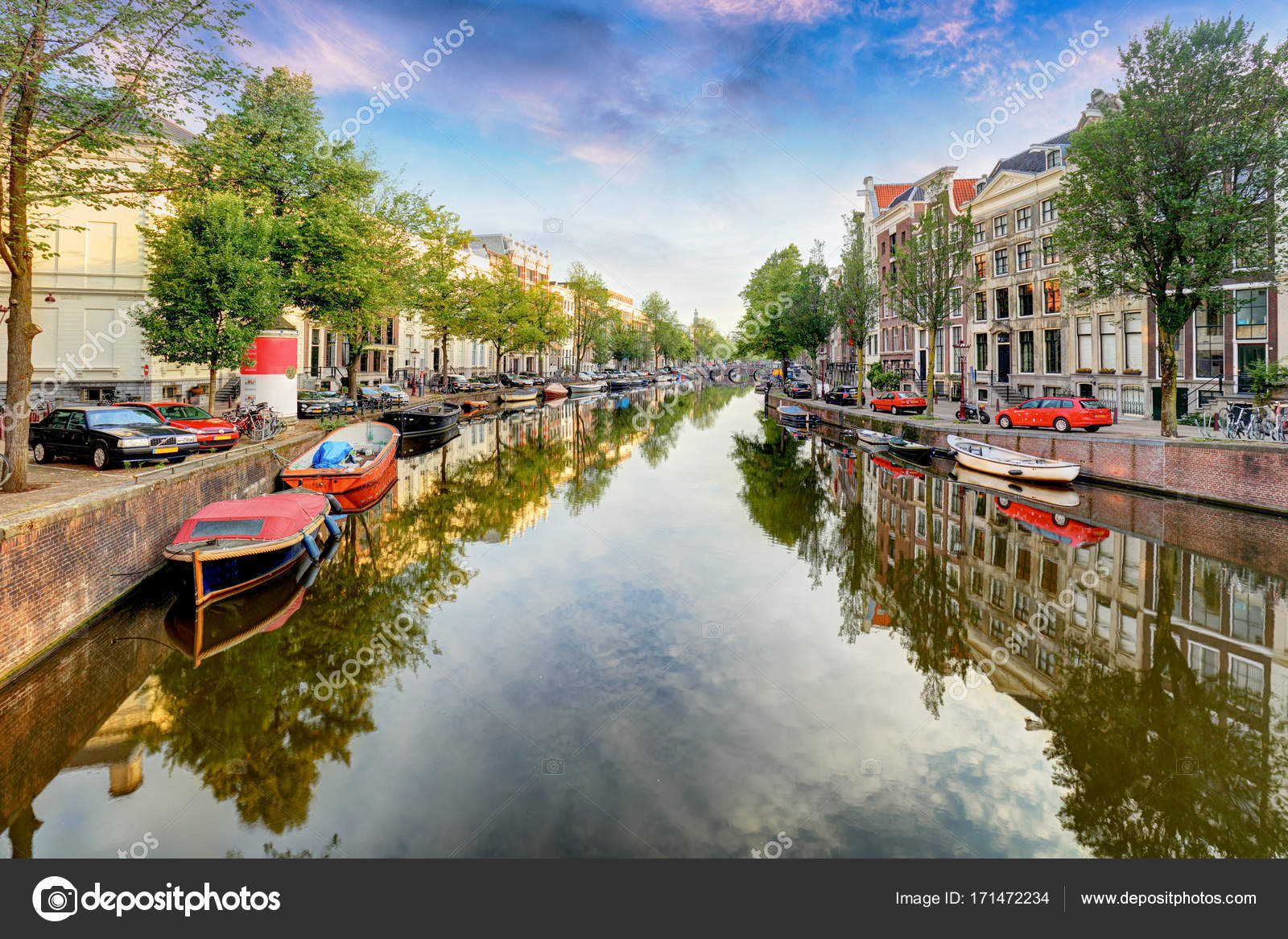 Beautiful Amsterdam Sunset Typical Old Dutch Houses On The Brid