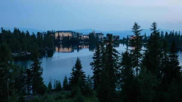 Tatry v noci nad Štrbské pleso - jezero, Slovensko, časová prodleva