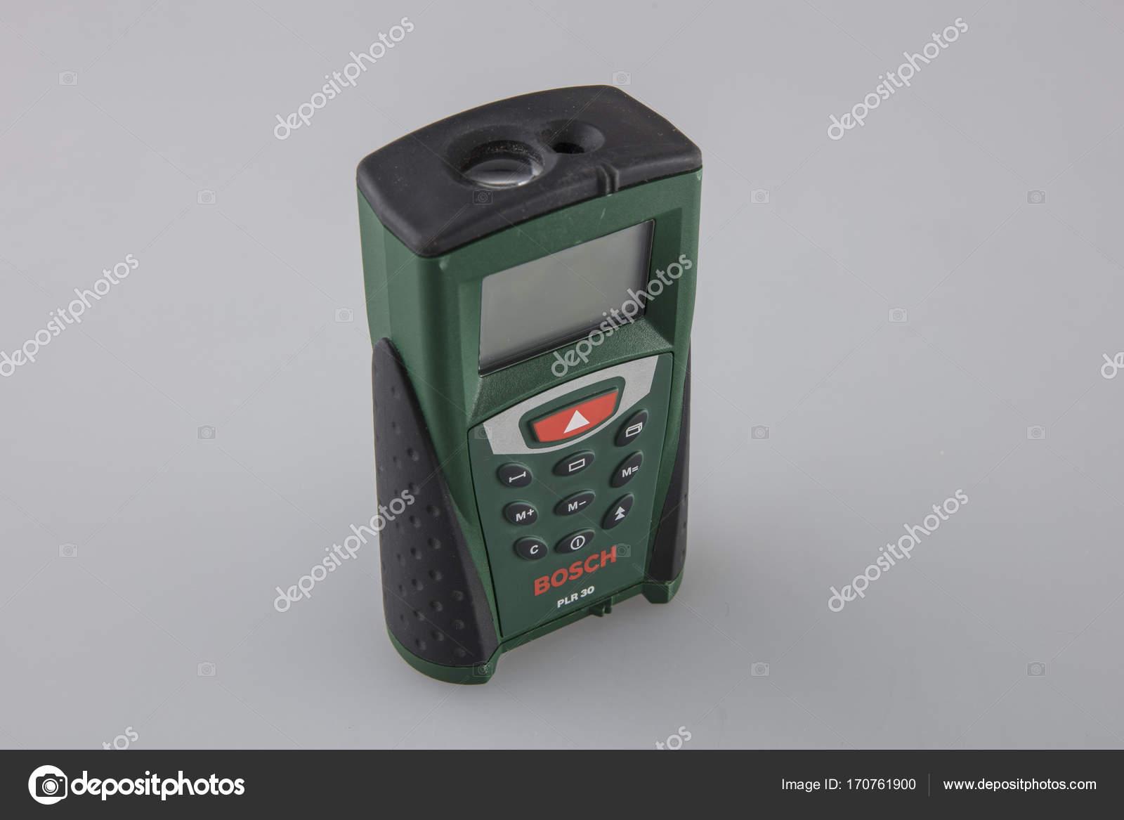 Laser entfernungsmesser bosch u2014 redaktionelles stockfoto © nechipas