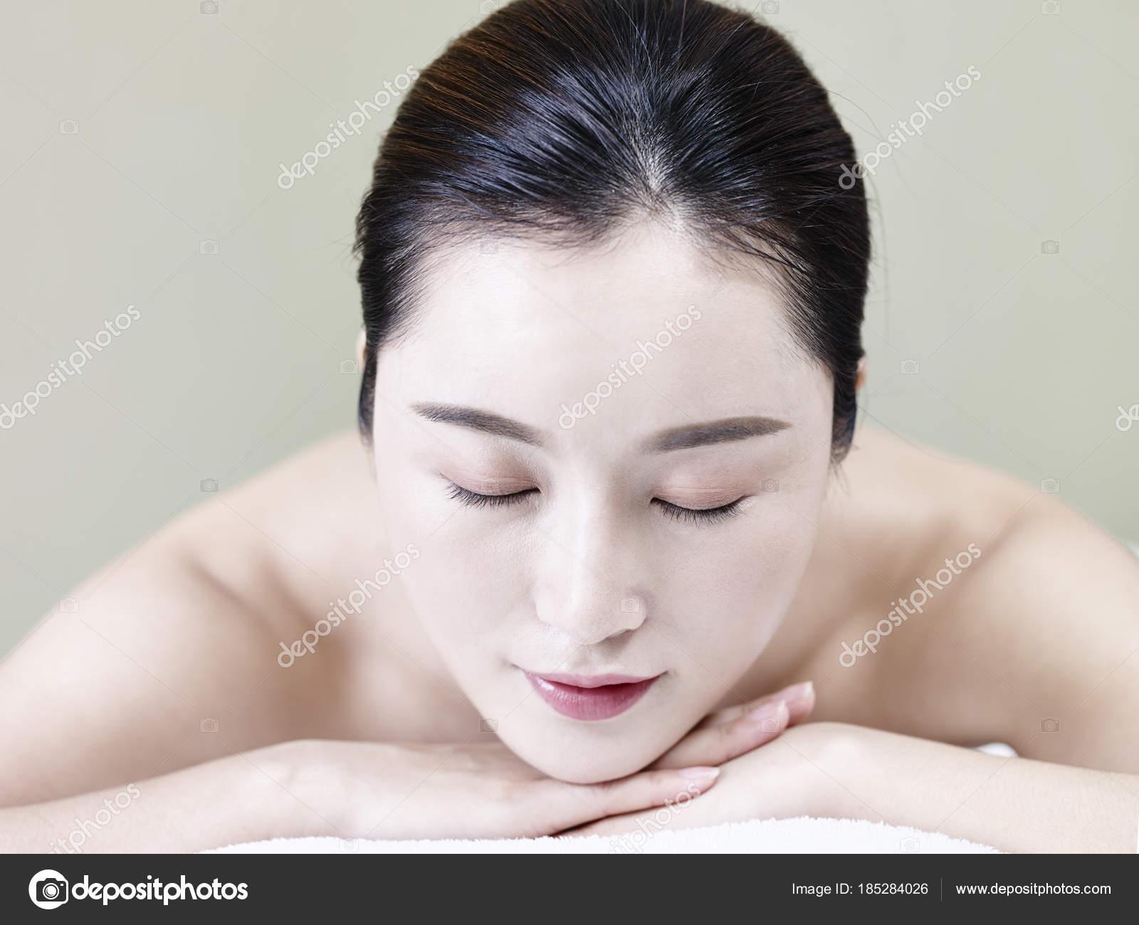Asiatische Geschlechter herunterladen