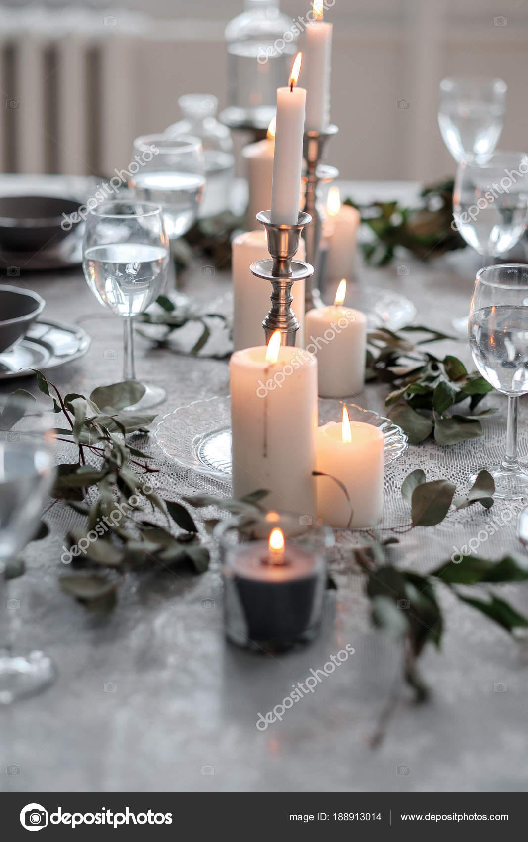 Hochzeit Oder Festliche Tischdekoration Teller Besteck Weingläser