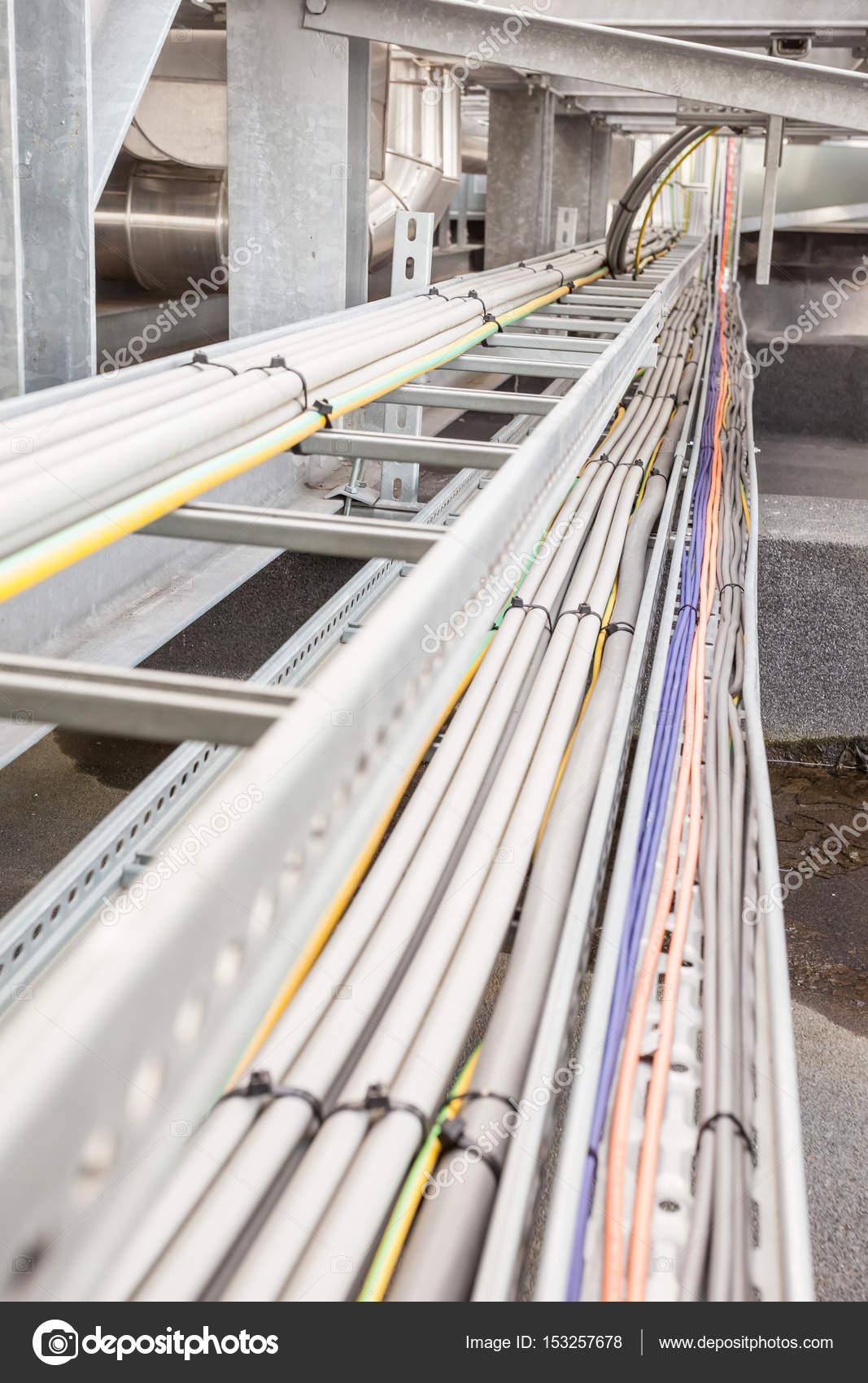 Elektro Kabelkanal — Stockfoto © DenBoma #153257678