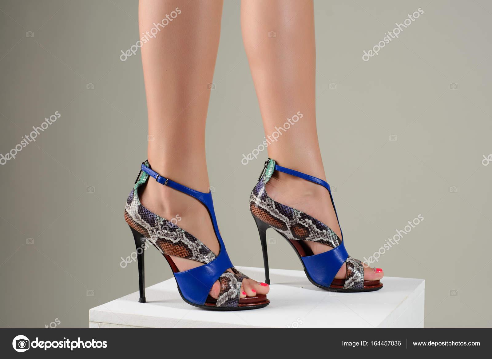 Mujer En Alto De Tacón Hermosos Elegantes Pies Sandalias Azul Kl1FJc