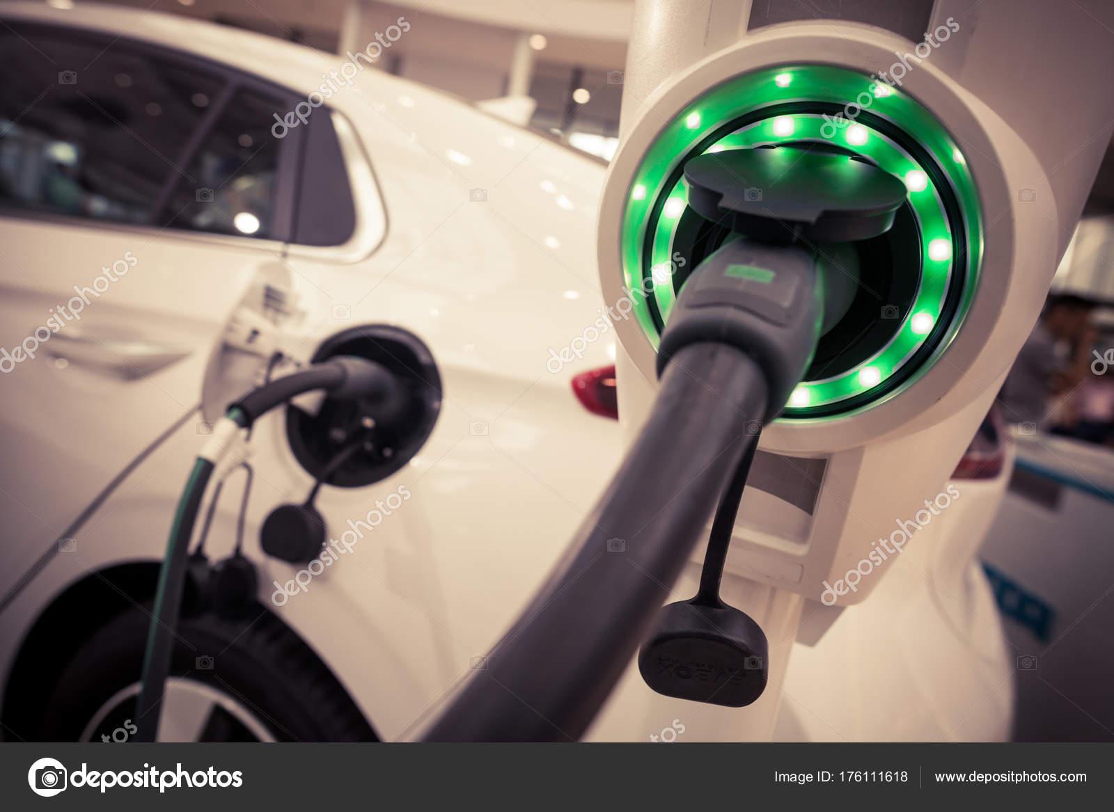 Close Beeld Van Het Stopcontact Van Een Elektrische Auto Opladen