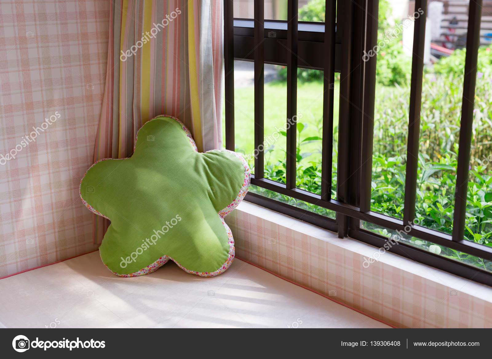 Wundervoll Sitzfensterbank Referenz Von Rastplatz Für Einen Gemütlichen Fensterplatz Mit Grünen