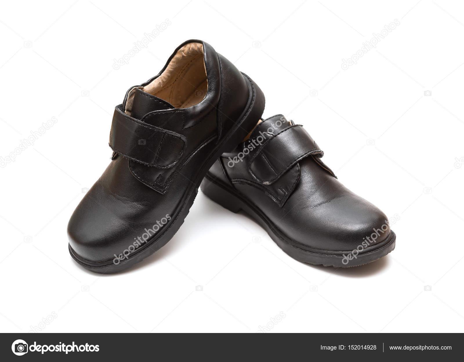 De Cuir Paire Noir Pour Blanc Enfants En Fond Chaussure Sur QtCBhrsdx