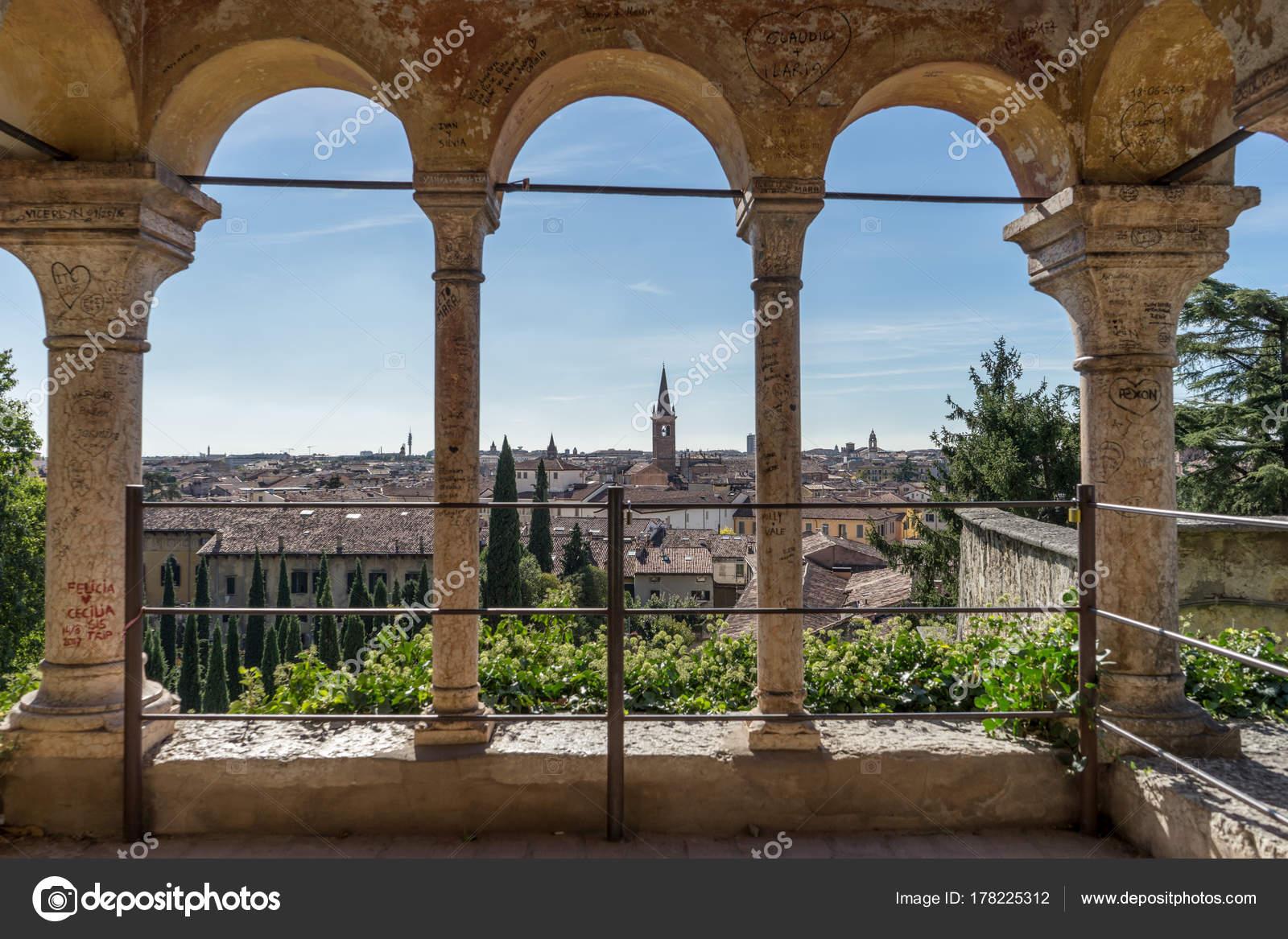 Verona giardino giusti view old town verona u stock photo