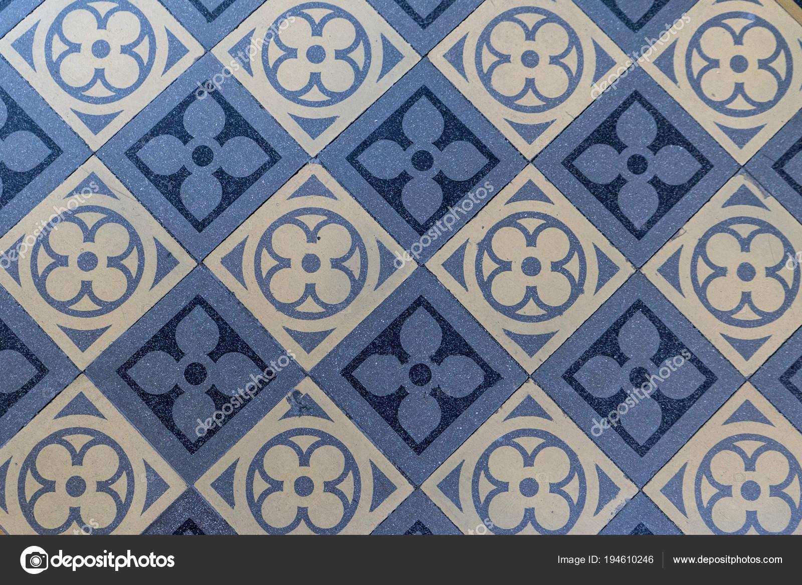 Blau Und Beige Bodenfliesen Alte Blau Und Beige Bodenfliesen Mit