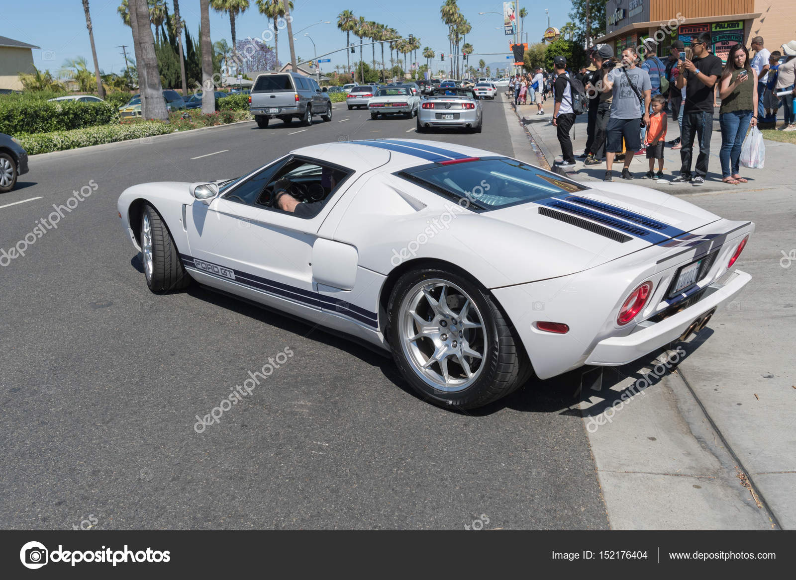 ディスプレイ上のフォード gt ストック編集用写真 bettorodrigues