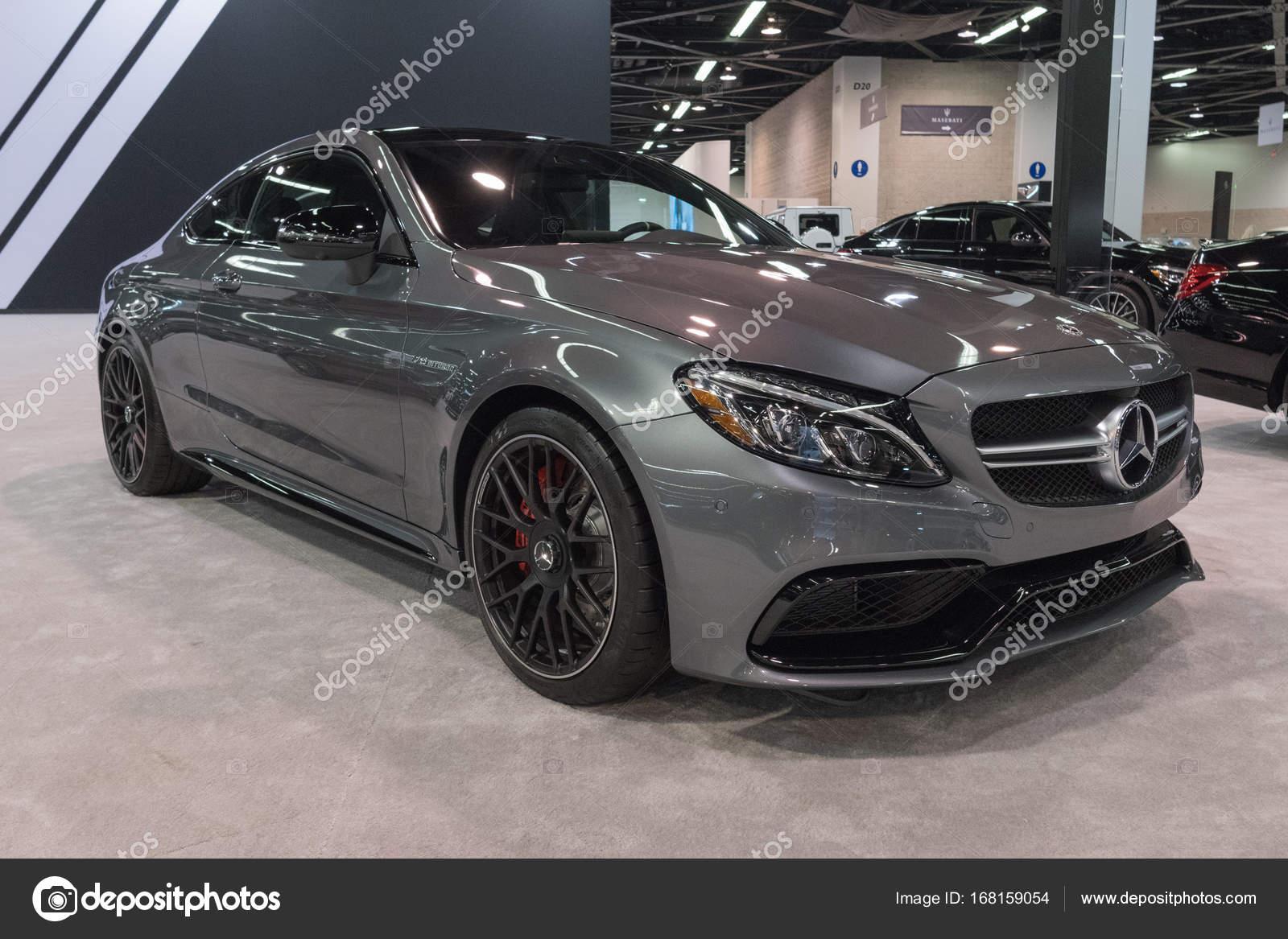 Anaheim   Estados Unidos   28 De Setembro De 2017: Mercedes Benz Classe E  Coupe Em Exposição No The Orange County International Auto Show U2014 Foto De  ...