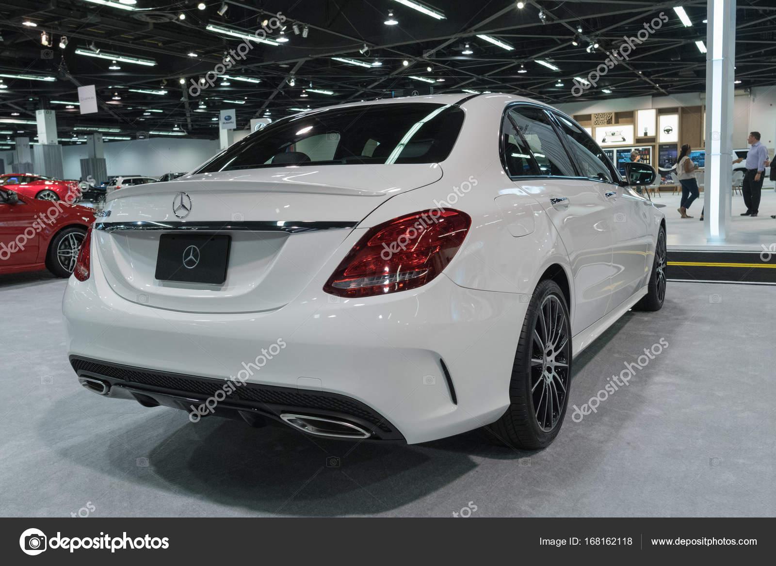 Anaheim   Estados Unidos   28 De Setembro De 2017: Mercedes Benz E300 Em  Exposição No The Orange County International Auto Show U2014 Fotografia Por ...