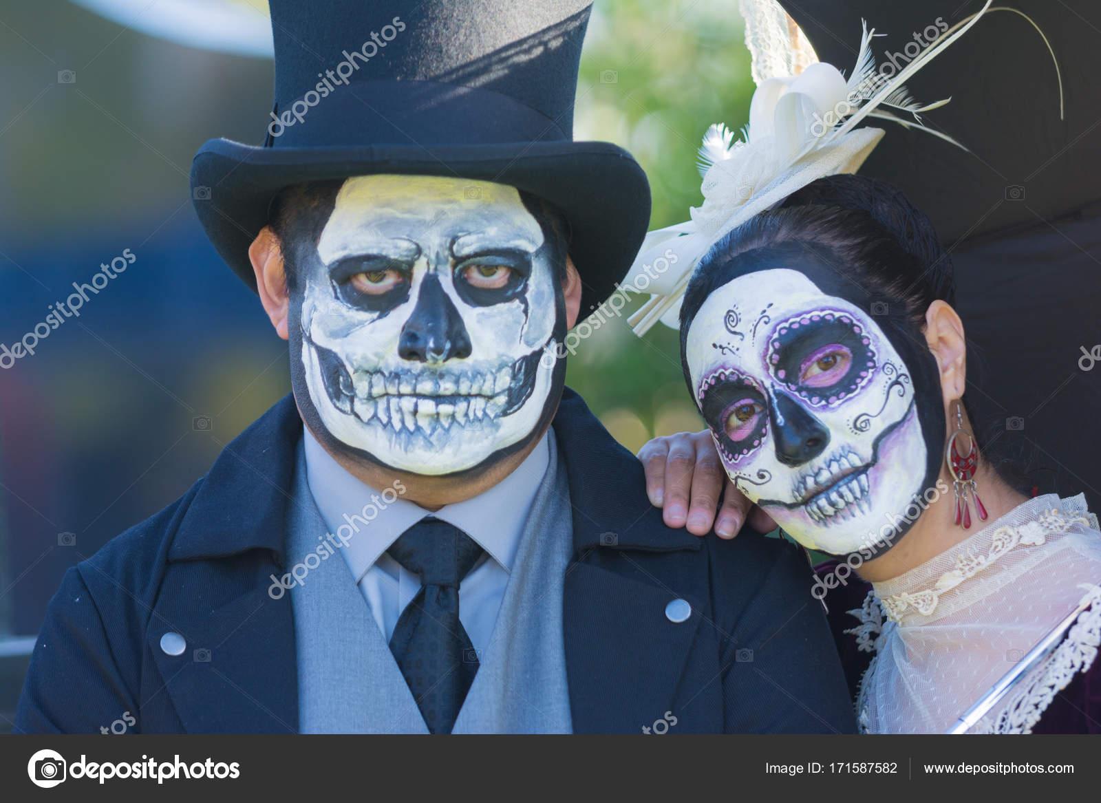 Zucker Schädel maskiert verkleidet als verheiratetes Paar tagsüber ...