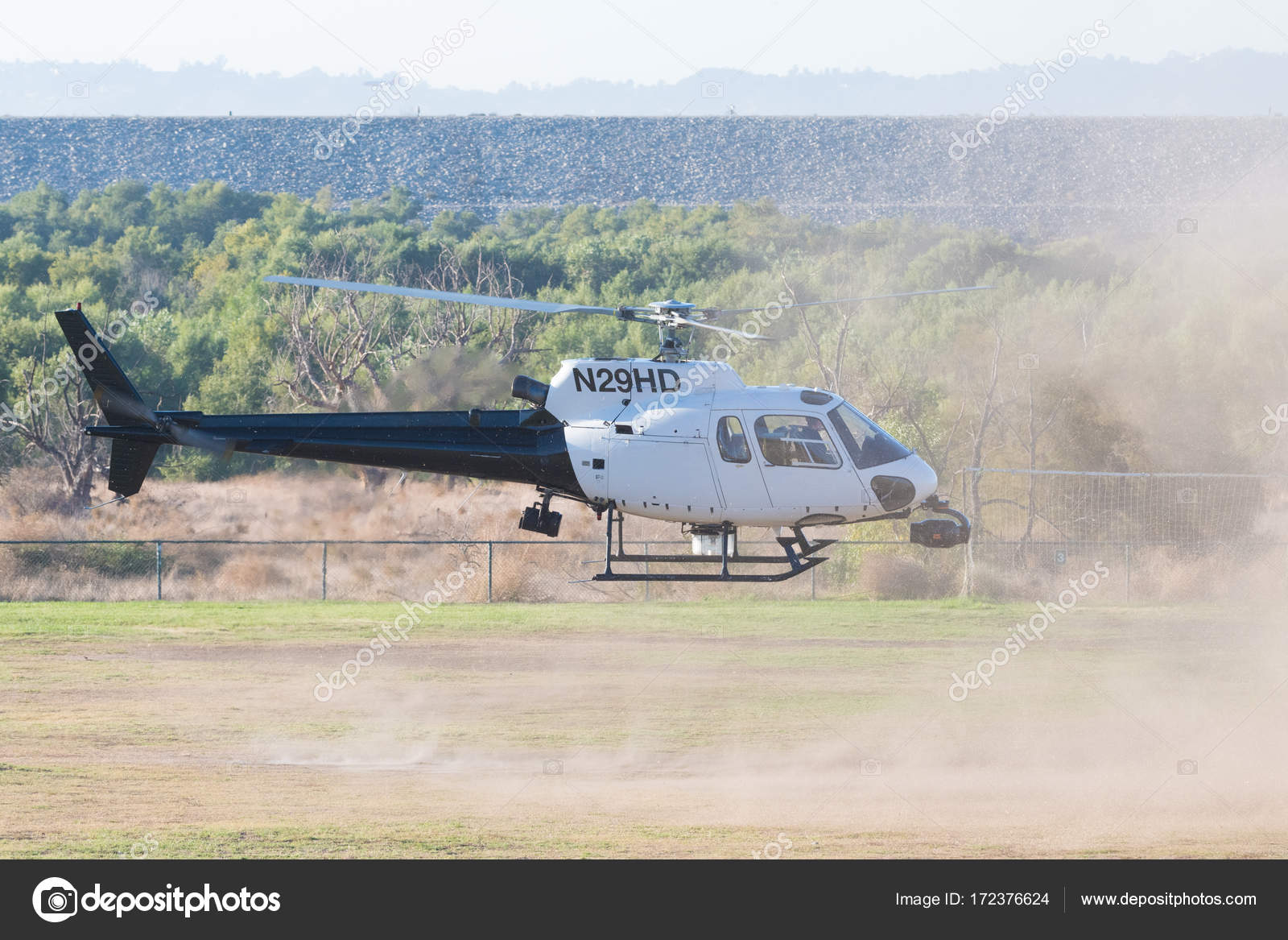 Elicottero 350 : Elicottero eurocopter as 350 b2 durante los angeles american hero