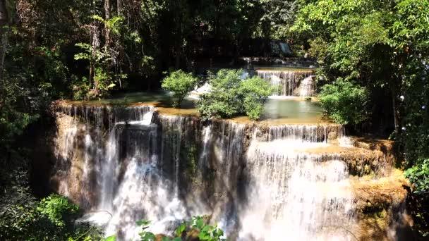 Huay Mae Khamin Wasserfall in Thailand