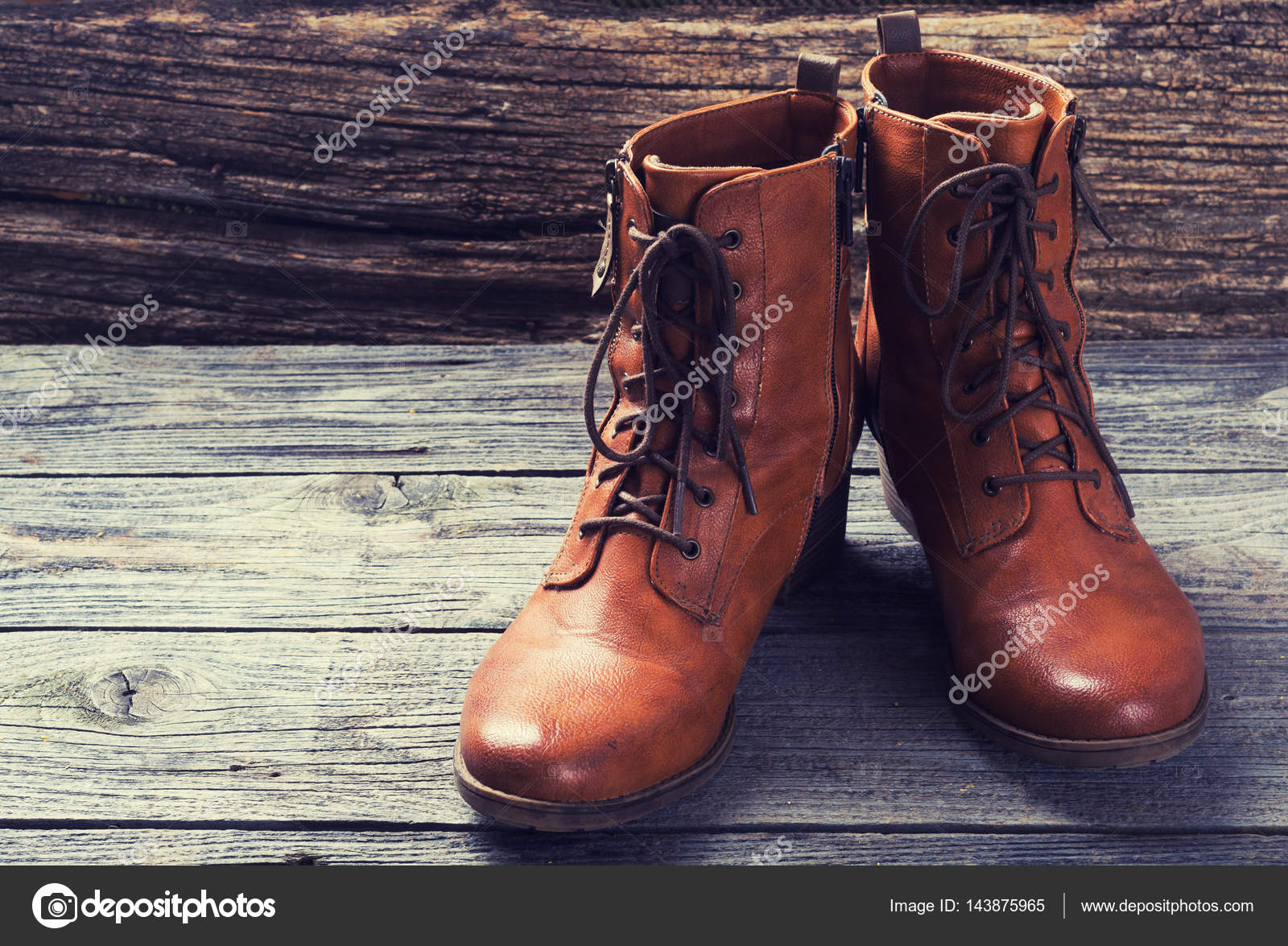 wholesale dealer 58f94 1fc27 Braune Damenstiefel — Stockfoto © whitestorm4 #143875965
