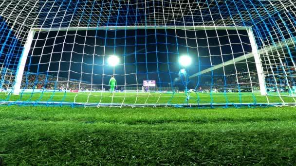 Rijeka, Horvátország Március 08: Focimeccs. A kapus 2020. március 08-án mentette meg a célt Rijekában.