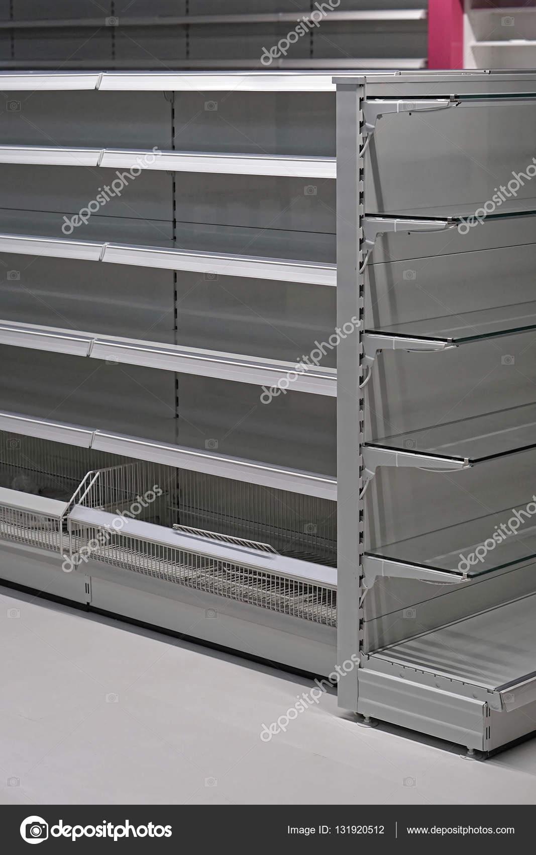 Puste Półki W Sklepie Spożywczym Zdjęcie Stockowe