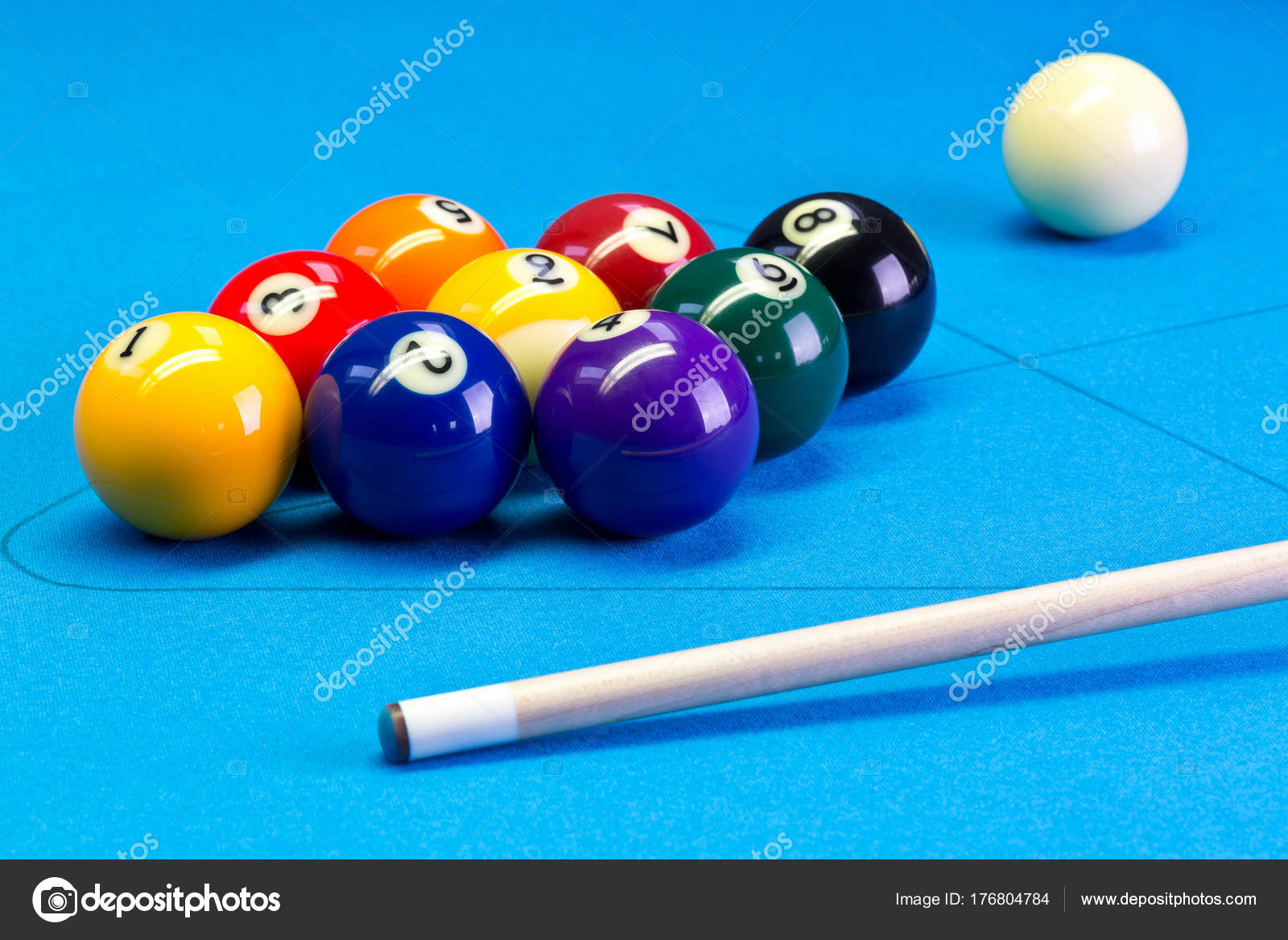 Billiard Pool Game Nine Ball Setup With Cue On Billiard Table - How to set up a pool table